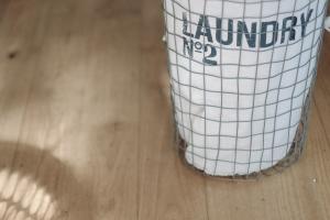 • Servicio de lavandería